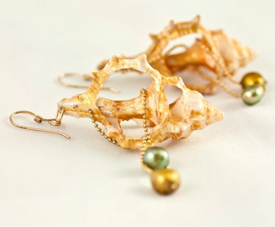 Seashell earrings- CocoNaty