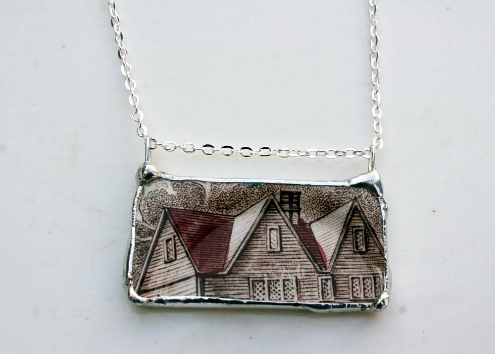 Vintage Heritage Hall Ceramic Necklace - asthecrowfliesandco