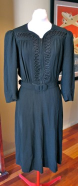 Vintage Late 1930s / 1940s Crepe Gown - L