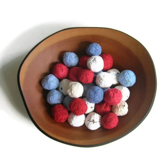 Fourth of July - Seed Bombs in red, white & blue - Plantable paper seed balls made of handmade paper and flower seeds - Patriotic wedding - PulpArt