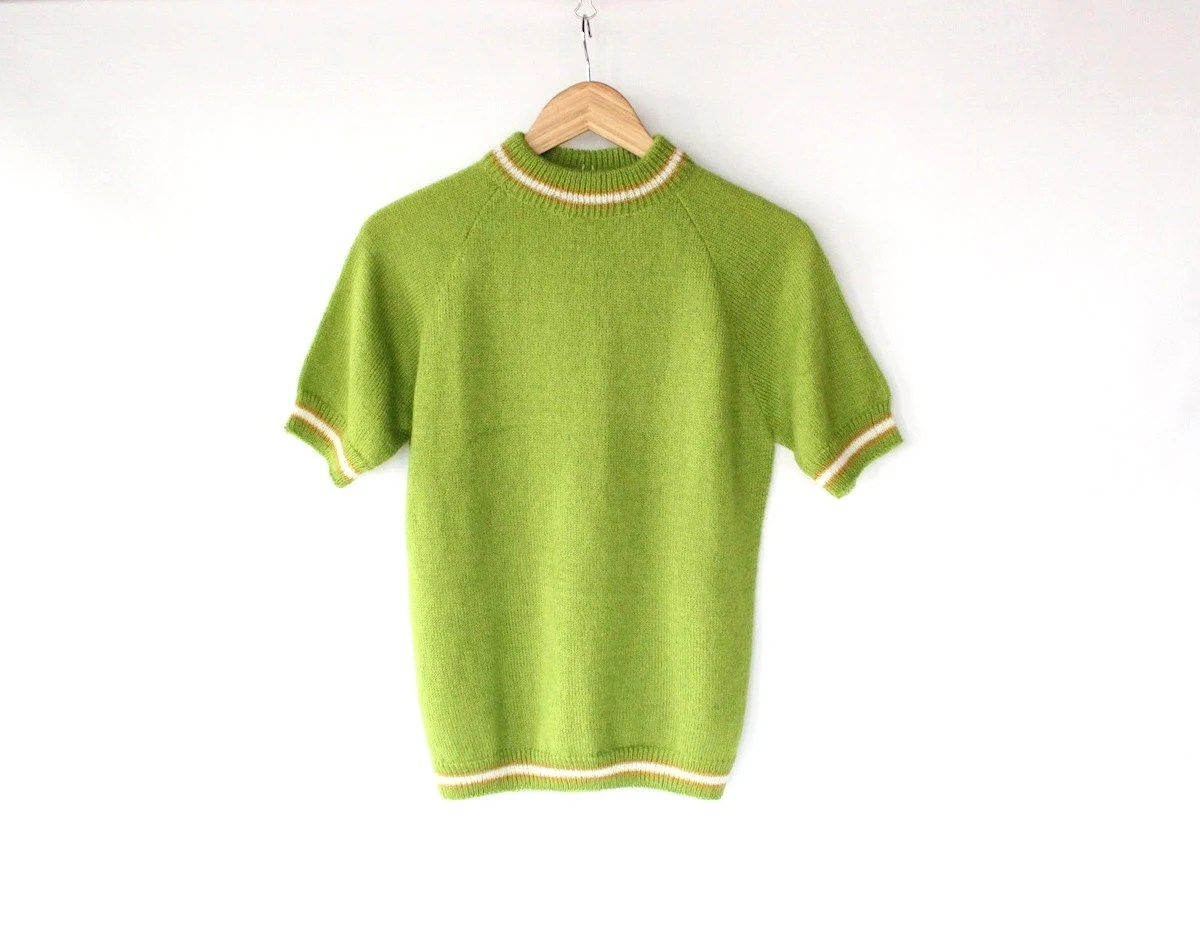 Vintage 60s Lime Green Short Sleeve Ringer Sweater // Womens Raglan Top - vauxvintage