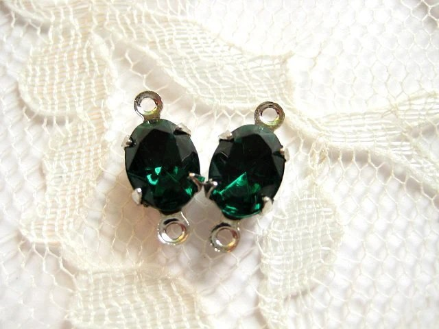 8x6 Swarovski Emerald Vintage Jewel Oval In Silver Settings