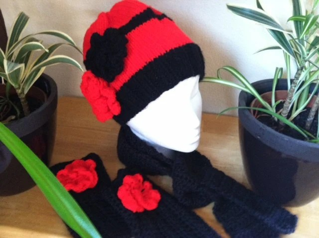 Black and red winterset - hat beanie with flowers, matching fingerless gloves and cozy scarf