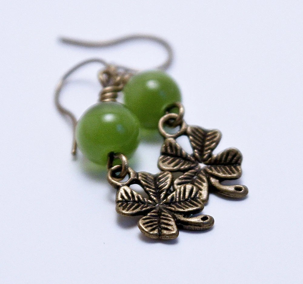 Green Shamrock Beaded Earrings - Green Jewelry Jewellery - Clover St Patricks Day Earrings