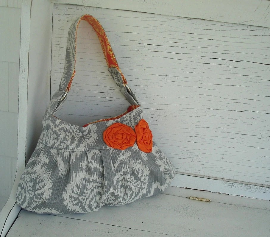 Large Gray and Cream Ikat Slouch