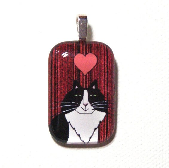 Personalized Cat Pendant...White Longhair Kitty...  Choice of 4 Holiday Colors