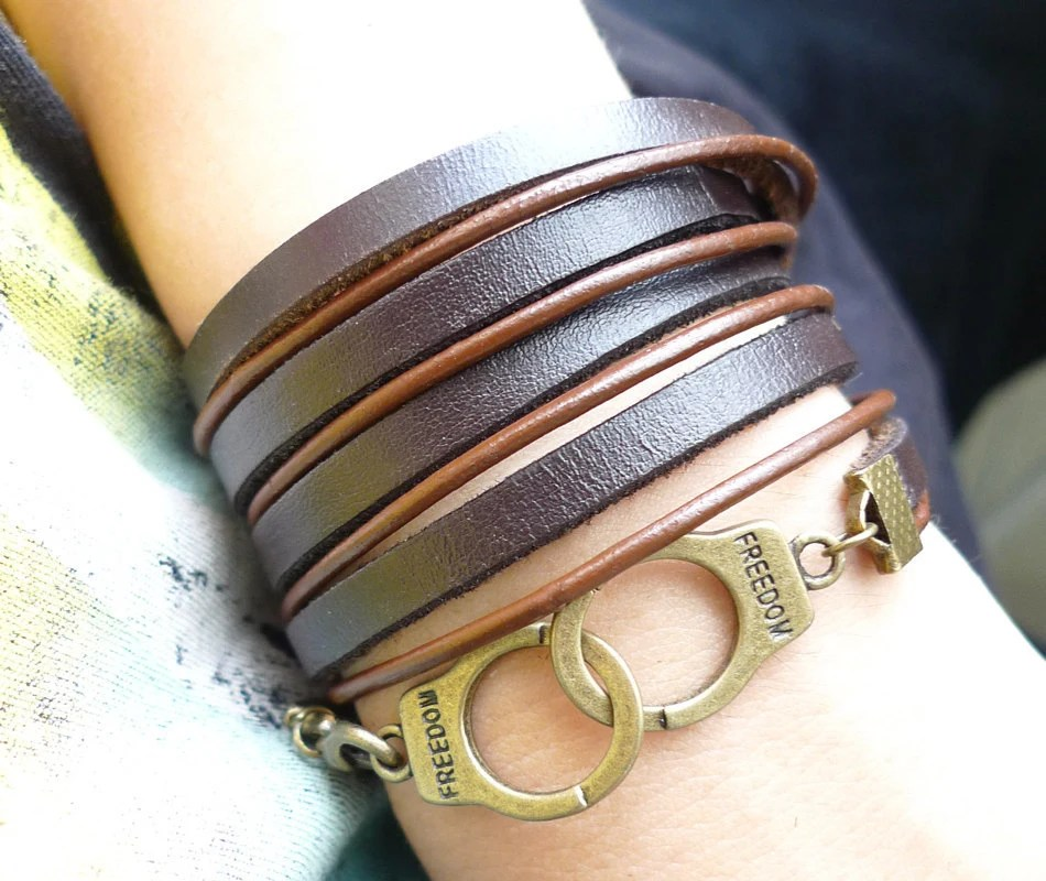 5 circles Brown Leather Wrap With Copper Handcuffs Buckle Charm Bracelet