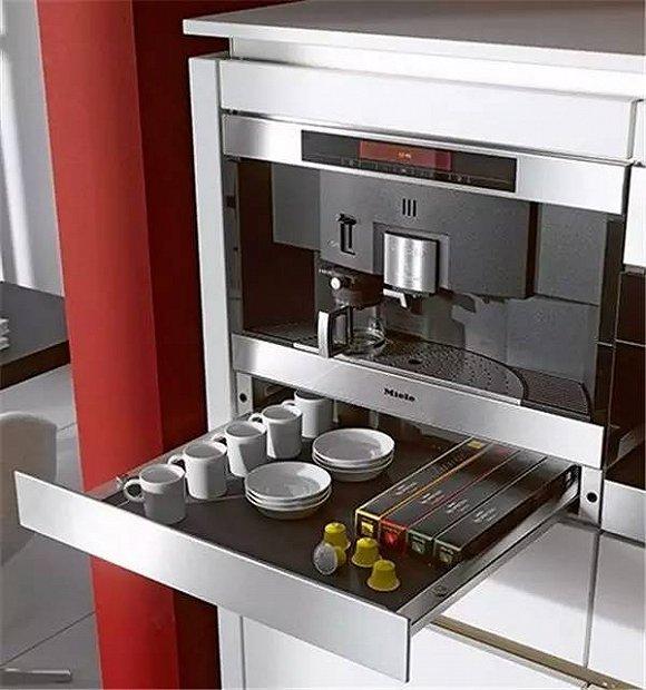 miele kitchen appliances ikea drawer organizer 世界顶级厨电品牌 豪宅里那些叫不出名字的逆天设备 界面新闻 秉持着线条简洁明晰和外型经典优雅的设计信条 其嵌入式厨房电器风格多变 且在设计线条和选择颜色时保持一致 适合最多样的室内设计和厨房家具前端 无论家中的