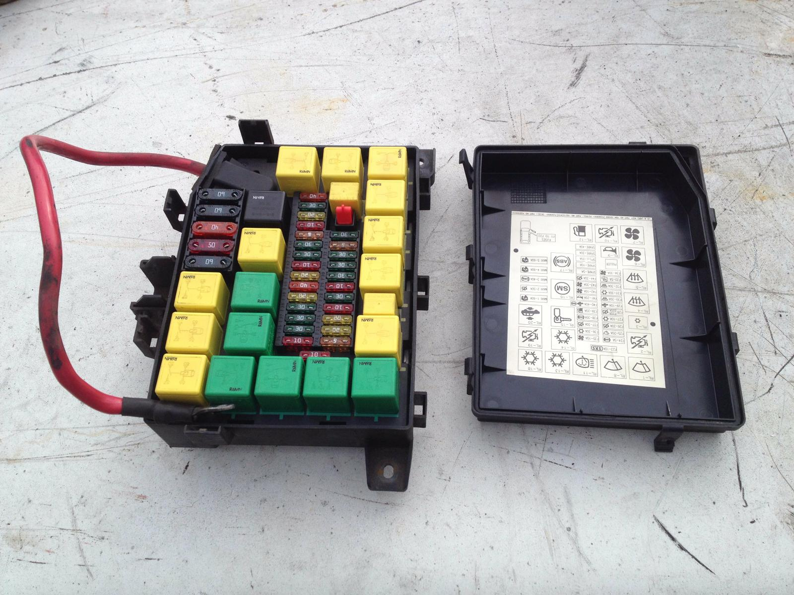 hight resolution of range rover p38 4 0 4 6 v8 oem complete fuse box relay yqe103410