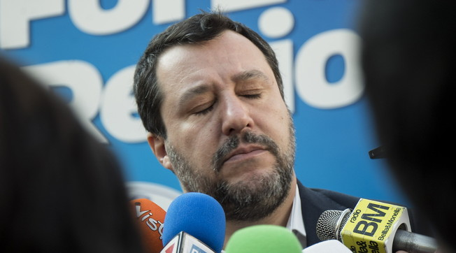 Attack him even if he's right: in the magistrates' chats the scandal against Salvini