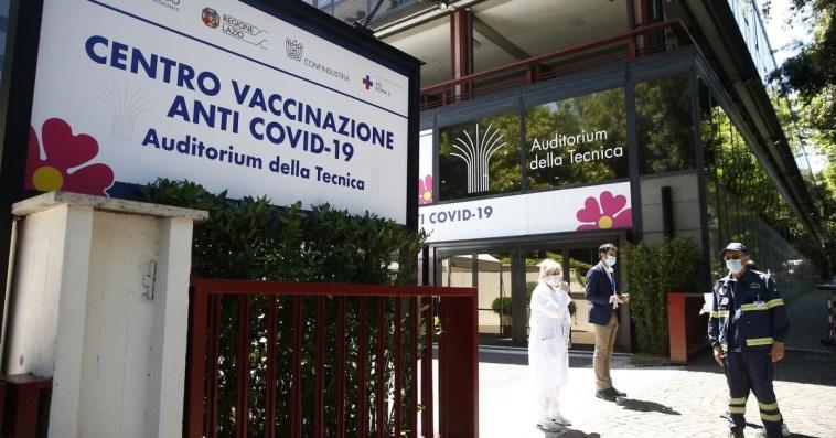 Coronavirus, boom di contagi a Roma dopo la sfilata degli Azzurri: numeri quasi quintuplicati