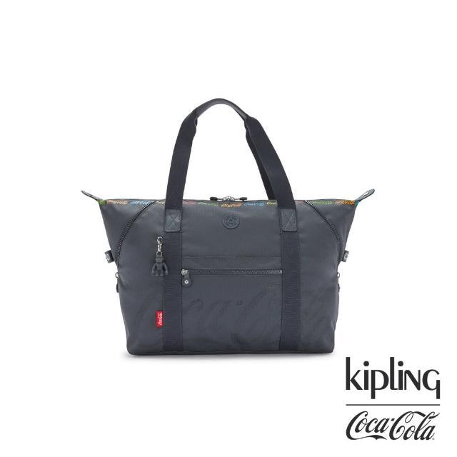 【KIPLING】Coca-Cola 聯名款創意LOGO印花手提側背包-ART M