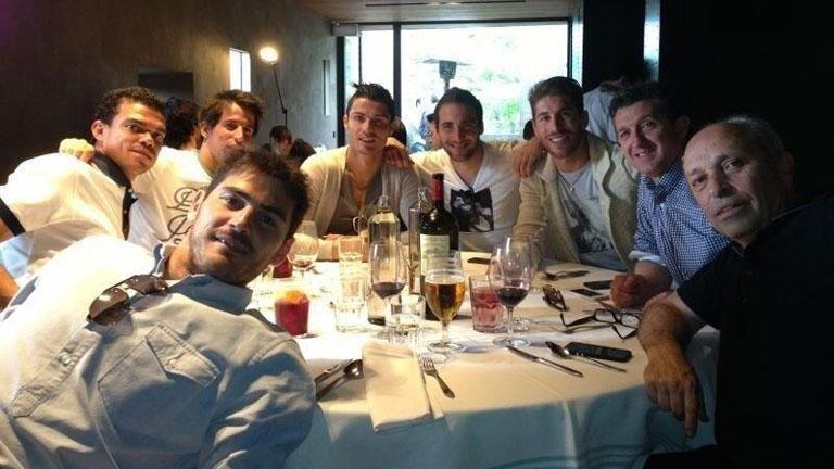 Comida de jugadores del Real Madrid sin Mourinho  RTVEes