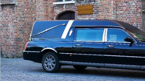 靈車越開越毛 棺材竟傳來砰砰聲和低沉的哭聲(組圖)|靈車 | 殯葬業 | 靈異事件 | 死者亡語 | 棺材 | 探秘尋真 ...