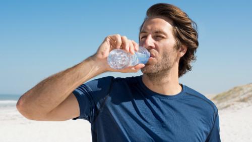 喝水的神奇!醫生爲什麼總是讓你多喝水?(組圖) 陽光   空氣   喝水   生命   人體   生活妙博士   看中國網
