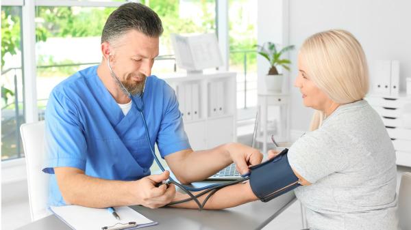 降血壓食物有哪些?高血壓患者的飲食寶典(組圖) 三高   高血壓   癥狀   遺傳   飲食   療養保健   看中國網