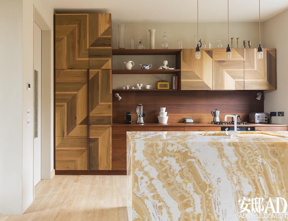 walnut cabinets kitchen wicker chairs 木纹橱柜也可以打造出时髦厨房 安邸ad家居生活网 1503227220 jdjwa2 jpg