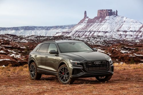 small resolution of three things to know about the 2019 audi q8