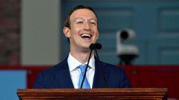Fake news: su Facebook saranno utenti a segnalare fonti affidabili