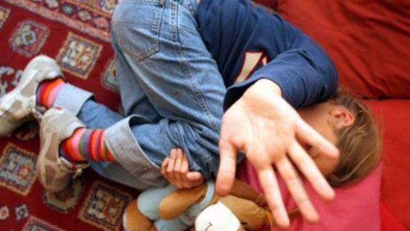 Pedofilia, abusi durante riti religiosi: quattro arresti a Catania