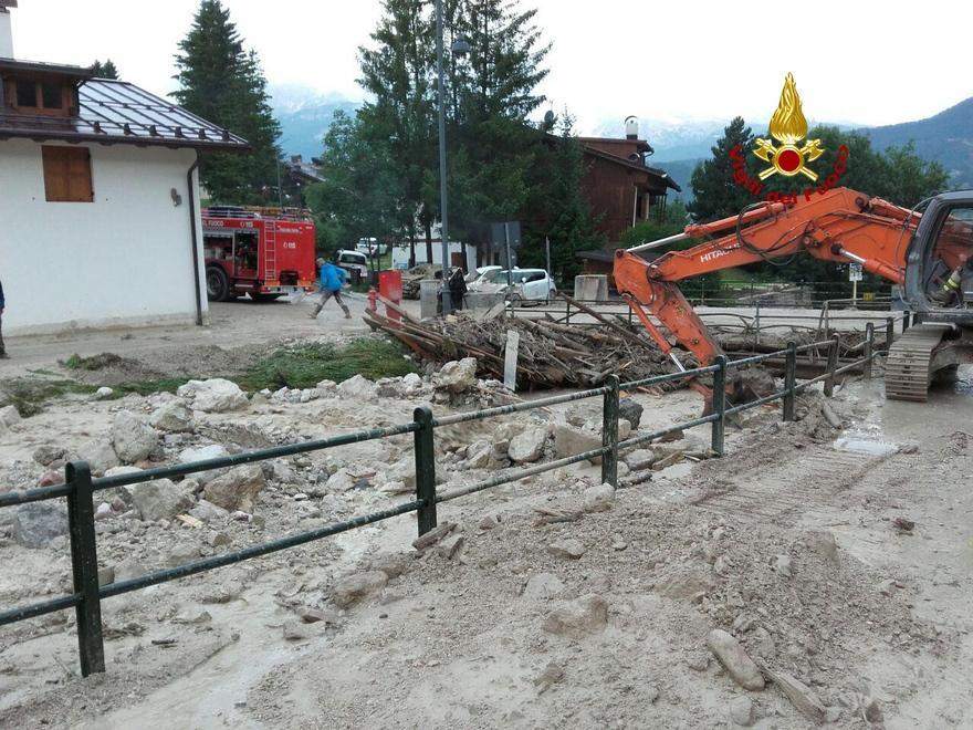 Devastante bomba d acqua su Cortina d Ampezzo