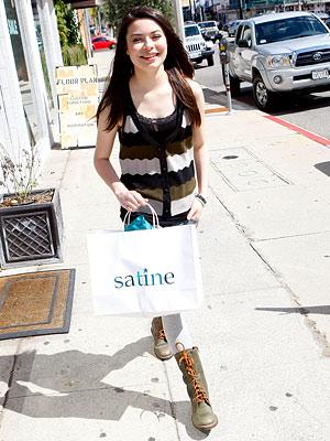 Miranda Cosgrove, Nickelodeon Kids Choice Awards Shopping Spree, Satine, Los Angeles, i Carly