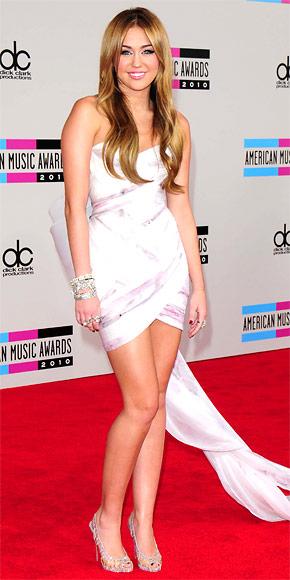 Miley Cyrus in Marchesa