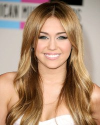miley cyrus hair color 2011 | RONIERONGGO