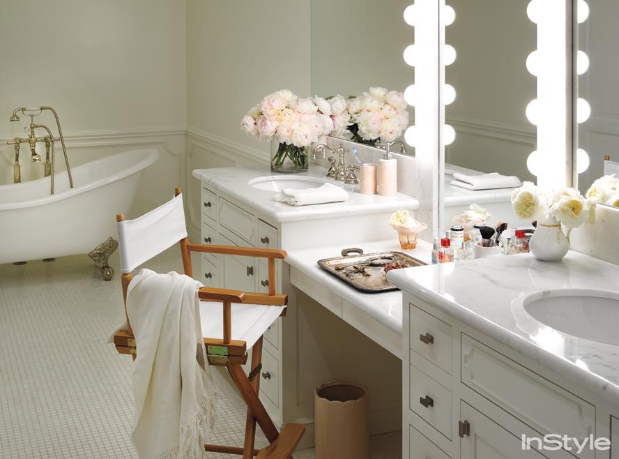 Lsuren Conrad - The Bathroom