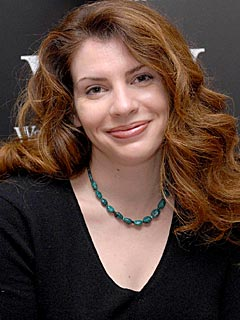 https://i0.wp.com/img2.timeinc.net/people/i/2008/news/080811/stephenie_meyer2.jpg
