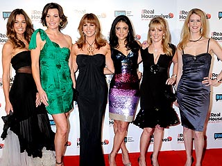 https://i0.wp.com/img2.timeinc.net/people/i/2009/features/tvblog/090223/housewives_newyork320x240.jpg