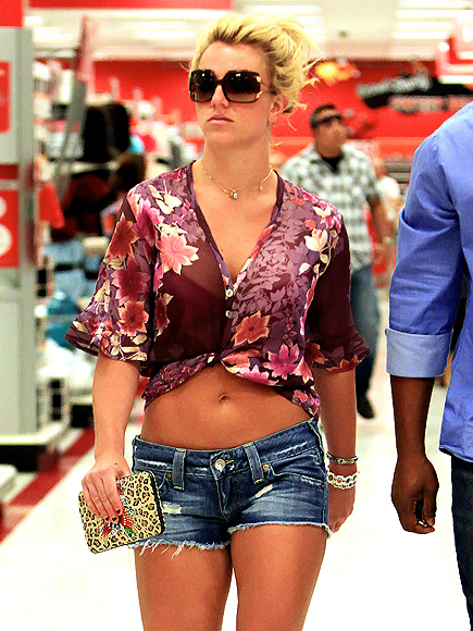 https://i0.wp.com/img2.timeinc.net/people/i/2009/galleries/celebs_at_target/britney-spears-435.jpg