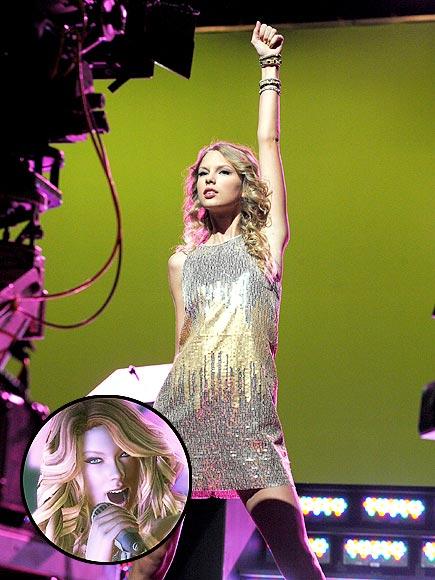 TAYLOR HERO! photo | Taylor Swift