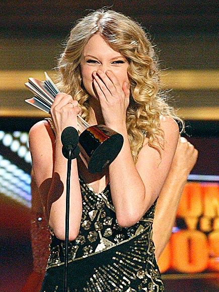 BIG WIN photo | Taylor Swift