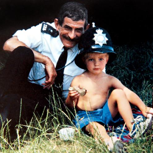 AN OFFICER & AND GENTLEMAN photo | Robert Pattinson