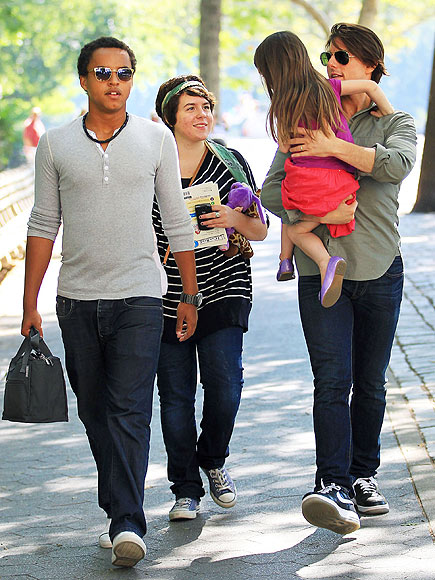 THREE OF A KIND   photo | Suri Cruise, Tom Cruise