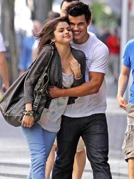 14. HE DOESN'T KISS & TELL photo   Selena Gomez, Taylor Lautner