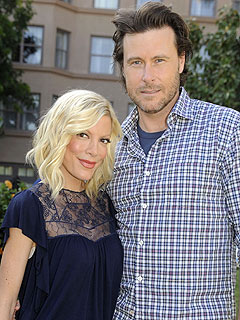 Tori and Dean Tie the Knot – Again! | Dean McDermott, Tori Spelling