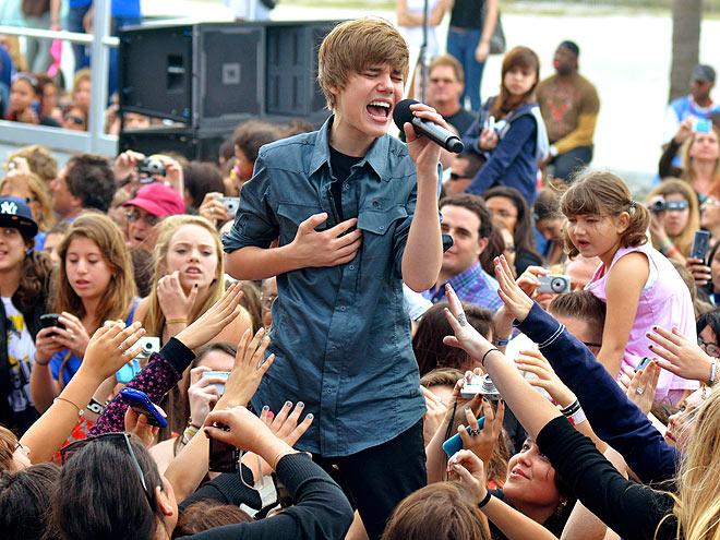 FANDEMONIUM   photo | Justin Bieber