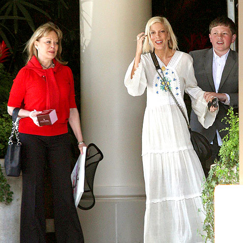 MOMMY'S DAY OUT photo | Tori Spelling