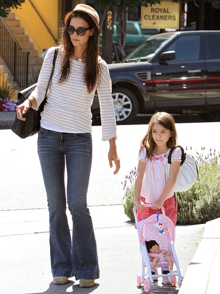 PUSH IT  photo | Katie Holmes, Suri Cruise