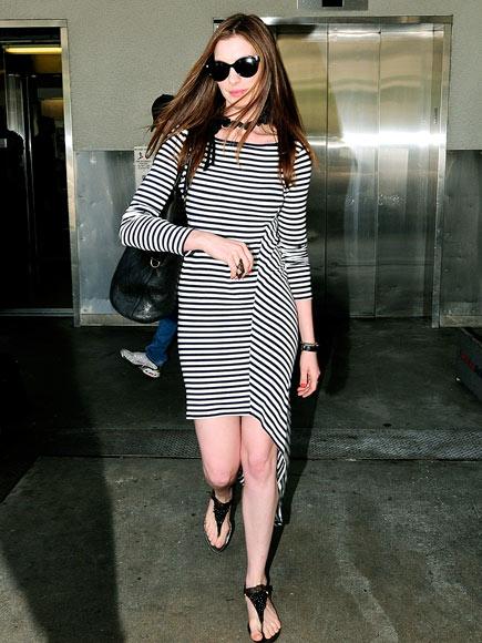 ANNE HATHAWAY'S DRESS photo | Anne Hathaway