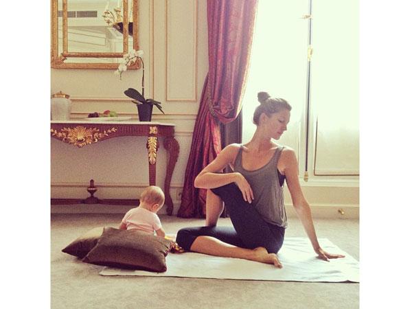 Gisele Bundchen Vivian yoga