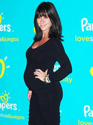 Jennifer Love Hewitt Pregnancy Crazy