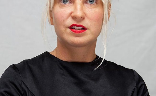 Sia Apologizes For Elastic Heart Video Controversy