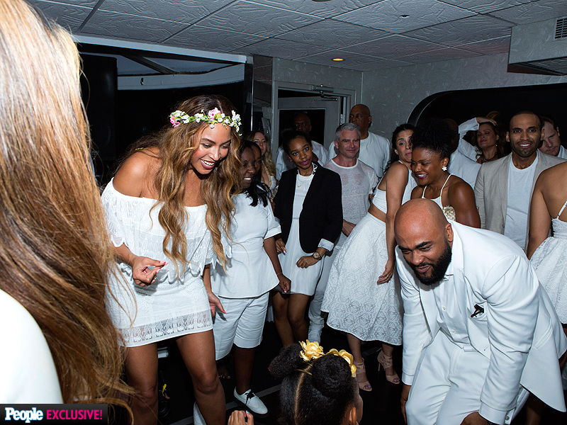 Inside Tina Knowles Lawson's 'Magical' Wedding Day: 'It Couldn't Have Been More Perfect'| Marriage, Weddings, Beyonce, Jay-Z, Solange Knowles, Tina Knowles