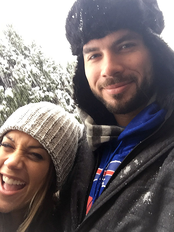 Jana Kramer pregnancy blog