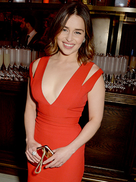Emilia Clarke Gives Advice to Her 18-Year-Old Self: 'You Are Not as Fat as You Think You Are'| Emilia Clarke, Body shaming, Game of Thrones, Bodywatch