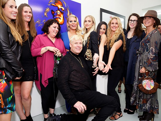 Jessica and Ashlee Simpson Support Dad Joe at his First-Ever Photography Gallery Exhibit  Ashlee Simpson, Jessica Simpson, Joe Simpson
