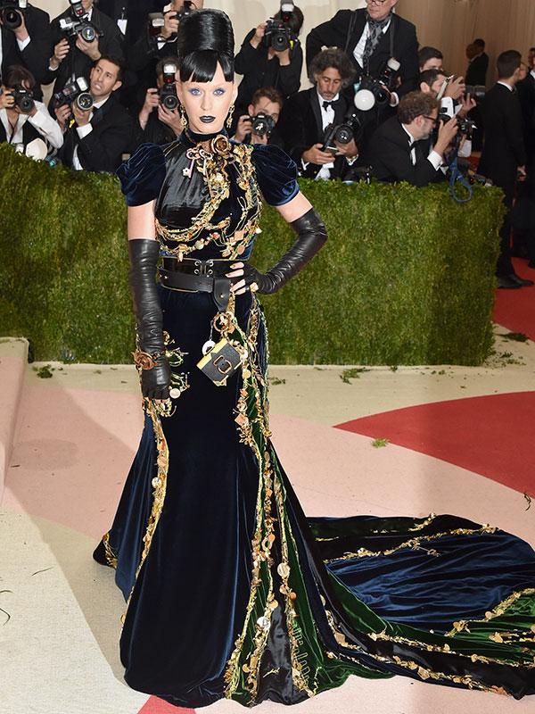 Katy Perrys Met Gala Look Featured Tamagotchis Ive